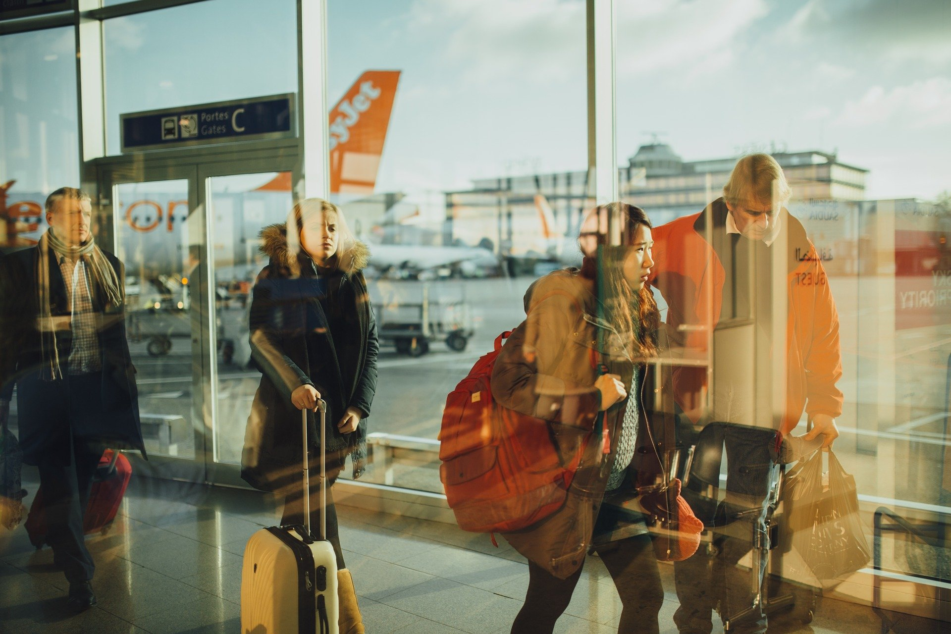 EasyJet, bagages à main, politique de bagages, aéroport, Salmon Voyages